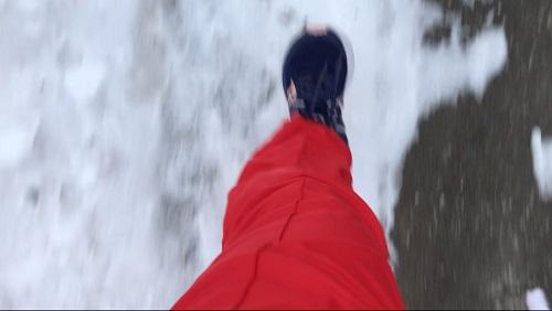 雪中ランニング中