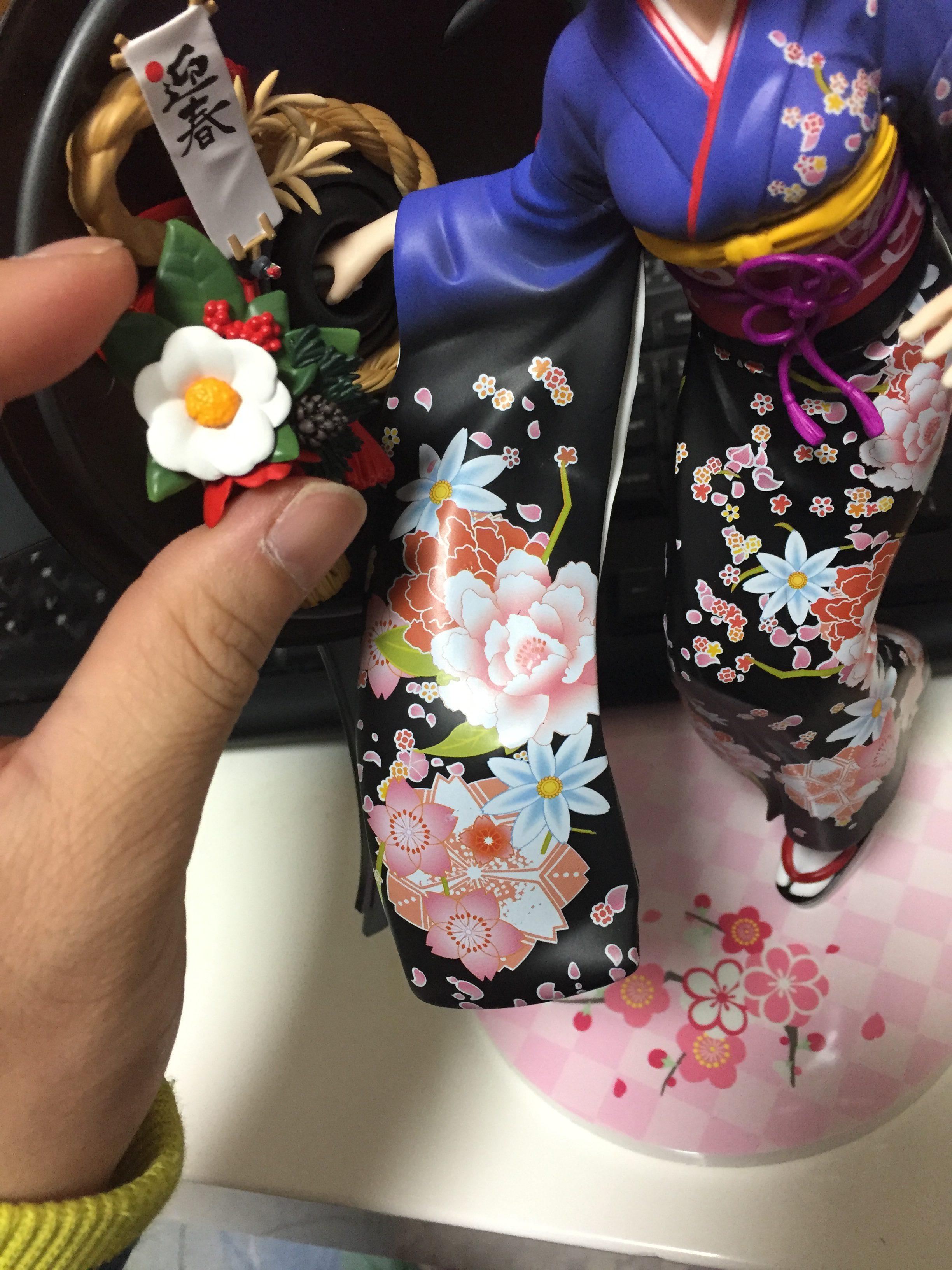 マシュお正月フィギュアの取れた花画像